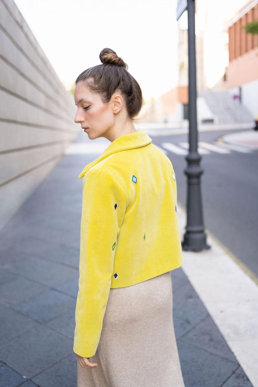Chaqueta terciopelo amarilla