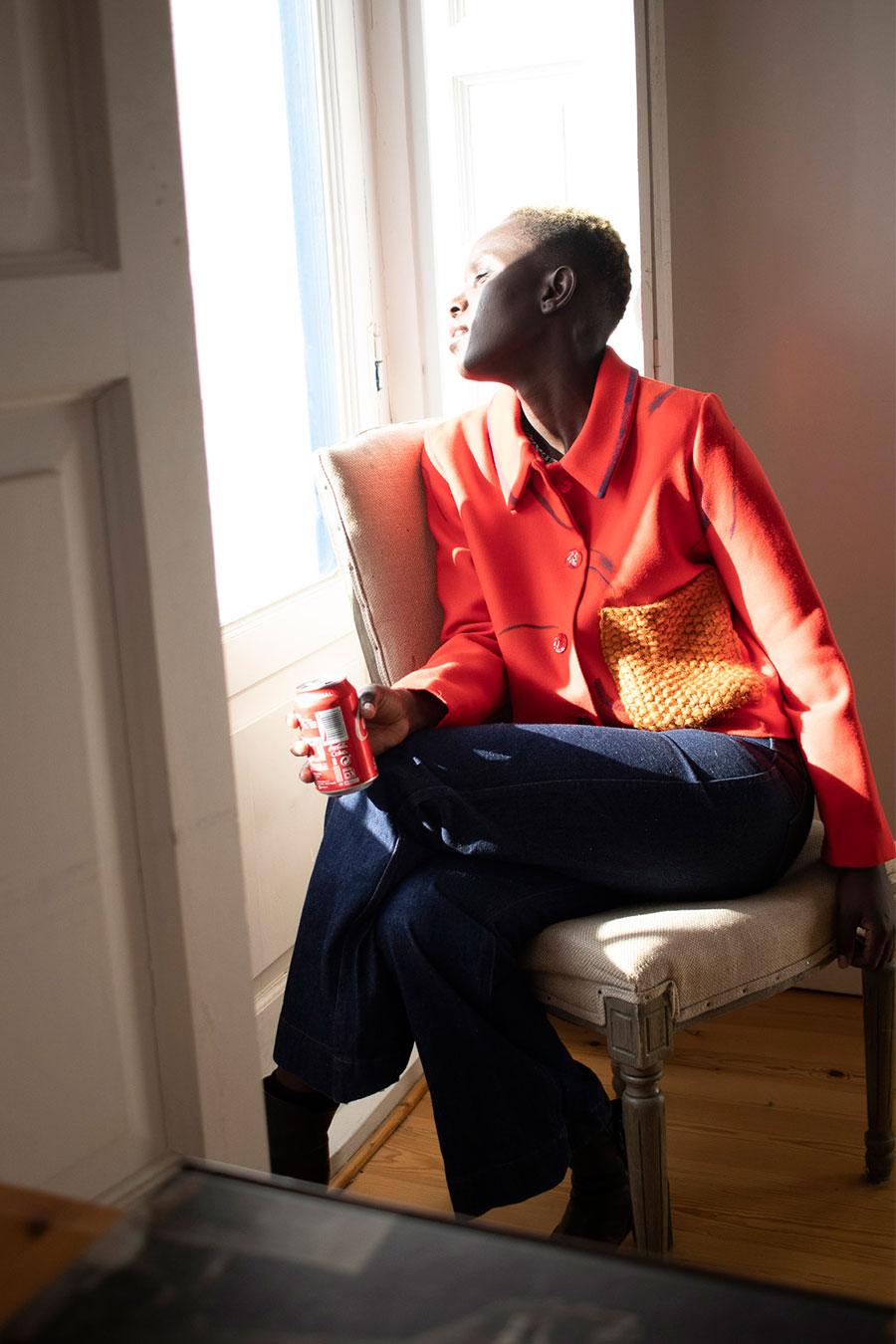 chaqueta roja bolsillo de punto